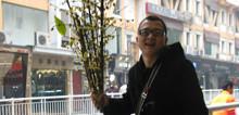 受访人是(4399)广州爱游信息科技有限公司一二三工作室的主美,潘黎明。从事游戏开发行业10多年。负责过《天下贰》、《QQ仙侠》、《御龙在天》的研发。行业经验丰富。